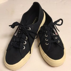 Superga classic navy blue lace up sneakers